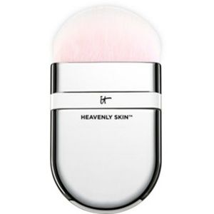 IT Cosmetics One-Sweep Wonder Brush